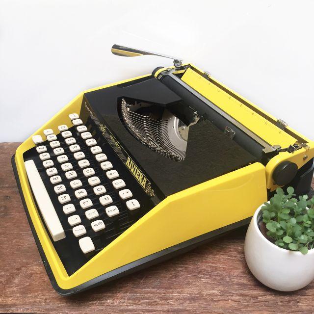1960s_vintage_remington_riviera_sperry_rand_typewriter_1483769834_e36cc031