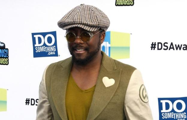 Will-i-am sustainable fashion - green carpet.jpg